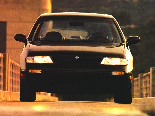 Фото Altima 4dr Sedan shown Nissan Altima