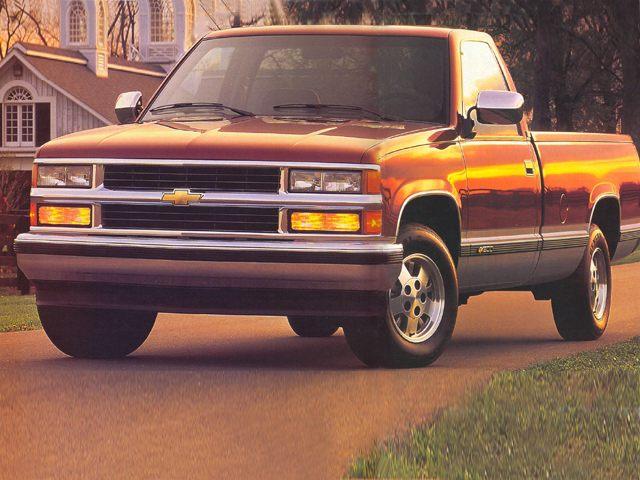 Фото C1500 Regular Cab shown Chevrolet C1500