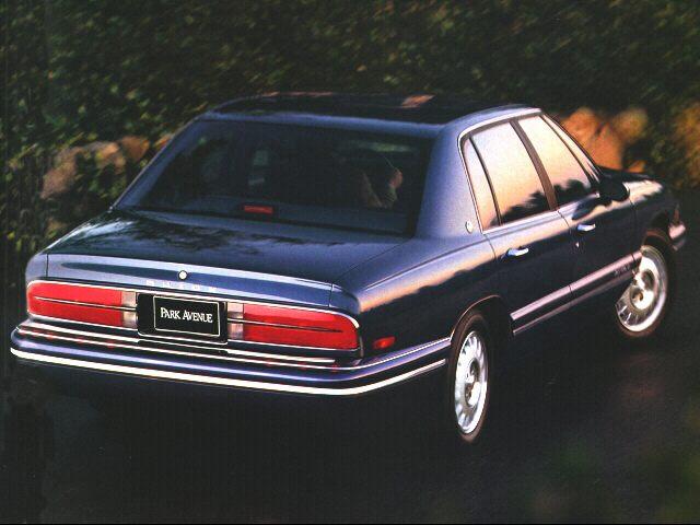 Фото Park Avenue 4dr Sedan shown Buick ParkAvenue