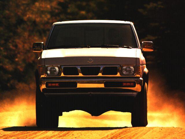 Фото Standard Cab Truck shown Nissan 4x2Truck