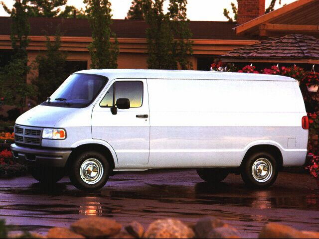 Фото Ram Van 1500 shown Dodge RamWagon1500