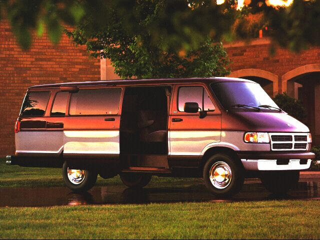 Фото Ram Wagon 3500 shown Dodge RamWagon3500