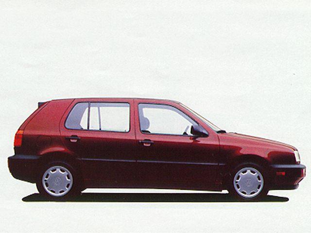Фото Golf 4dr Hatchback shown Volkswagen Golf