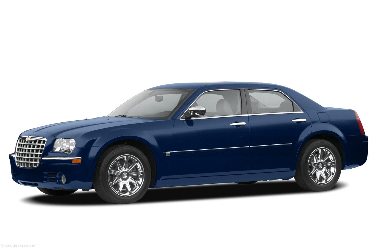 Фото 2005 Chrysler 300C 4dr RWD Sedan shown Chrysler 300C