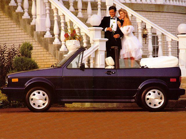 Фото Cabrio 2dr Convertible shown Volkswagen Cabrio