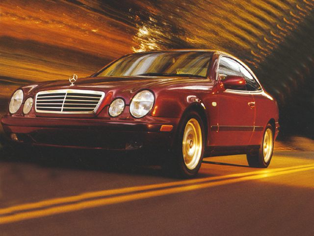 Фото CLK320 2dr Coupe shown MercedesBenz CLKClass